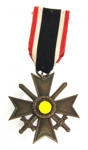 Kriegsverdienstkreuz 2. Klasse mit Schwertern am Band - Buntmetall