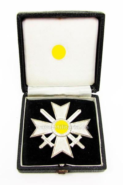 Kriegsverdienstkreuz 1. Klasse mit Schwertern im Verleihetui