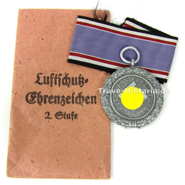 Luftschutz-Ehrenzeichen 2. Stufe im Verleihungstüte