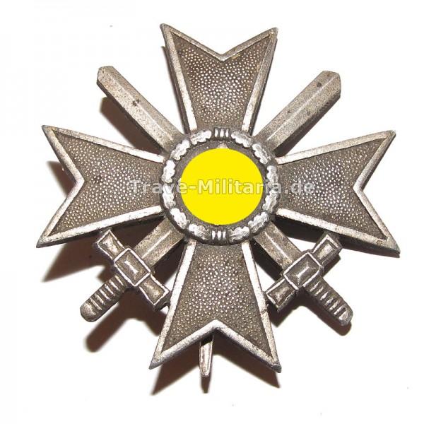 Kriegsverdienstkreuz 1. Klasse mit Schwertern Hersteller L/53