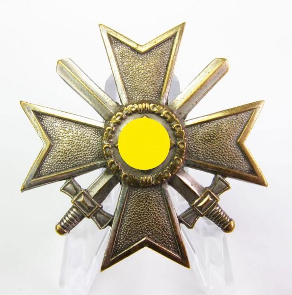 Kriegsverdienstkreuz 1. Klasse mit Schwertern 1939, Buntmetall
