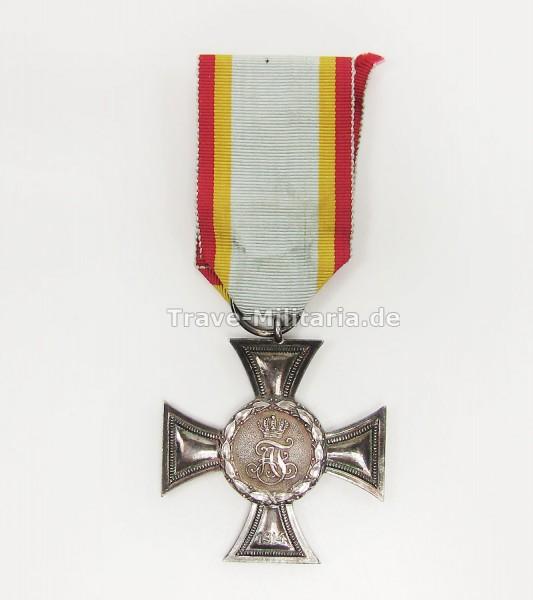 Mecklenburg-Strelitz Kreuz für Auszeichnung im Kriege 2. Klasse 1914 am Band