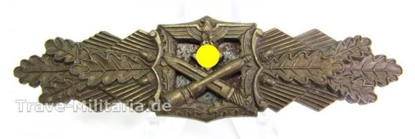 Nahkampfspange Bronze vom Hersteller FEC Peekhaus Berlin A.G.M.u.K. Gablonz