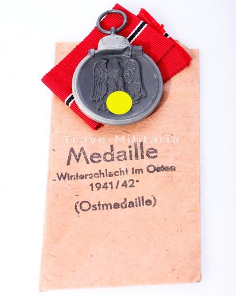 Medaille Winterschlacht im Osten mit Band und Umschlag