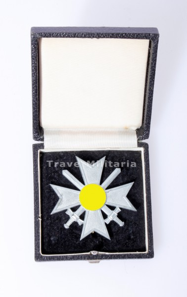 Kriegsverdienstkreuz 1. Klasse mit Schwertern im Etui