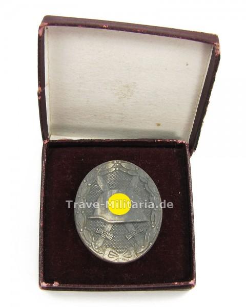 Verwundetenabzeichen in Silber im Etui Hersteller 65