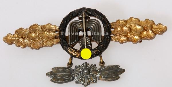 Frontflugspange für Nah-Nachtjäger in Gold mit Sternanhänger aus Eichenlaubträger Nachlass