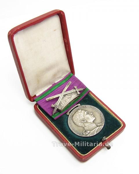 Sachsen Coburg-Gotha Silberne Verdienstmedaille mit Schwetern im Etui