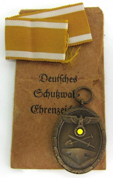 Set Deutsches Schutzwallehrenzeichen mit Tüte