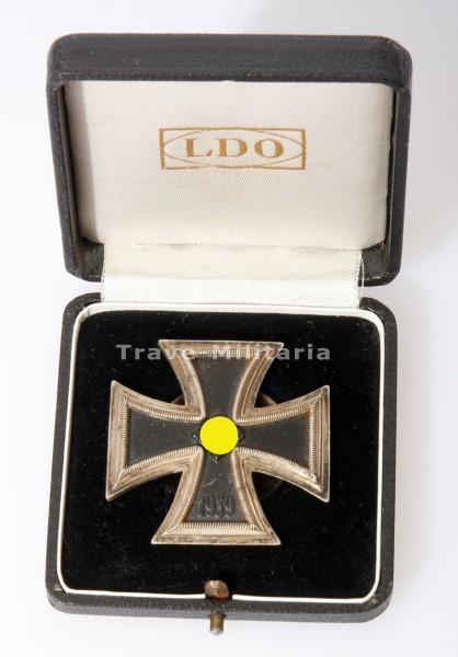 Eisernes Kreuz 1. Klasse an Schraubschreibe im LDO - Etui