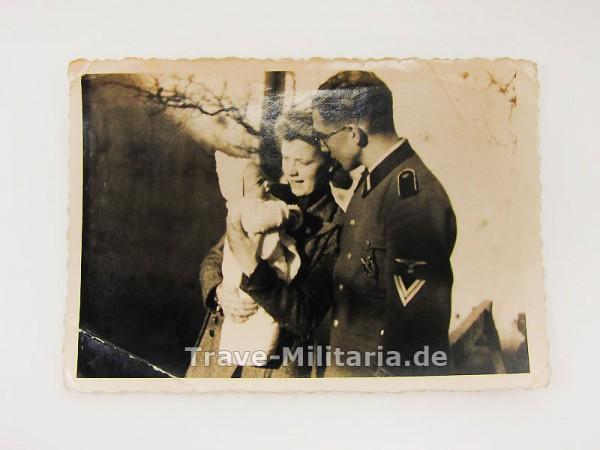 """Foto SS-Mann Ärmelband """"Der Führer"""" und bronzenen ISA"""