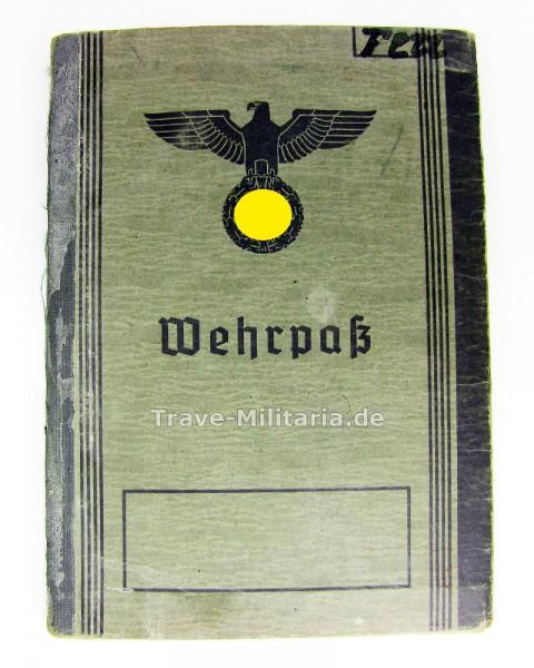 Wehrpass für Panzeraufklärer und Brief vom Gräberoffizier