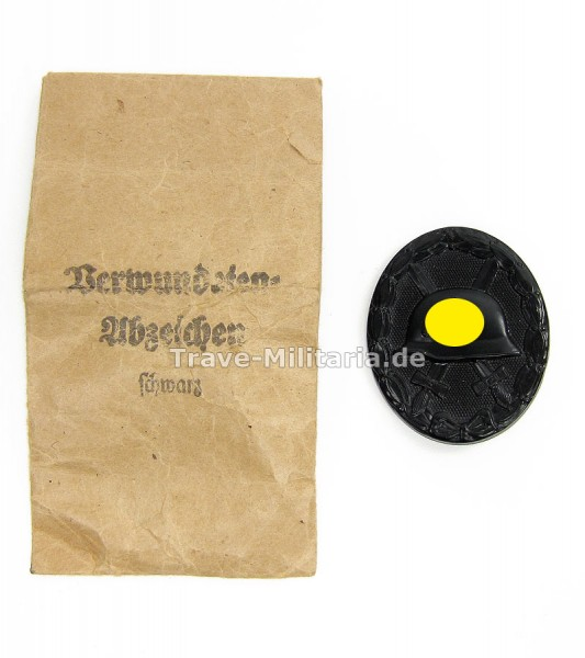 Verwundetenabzeichen in Schwarz in Verleihtüte Hersteller 30