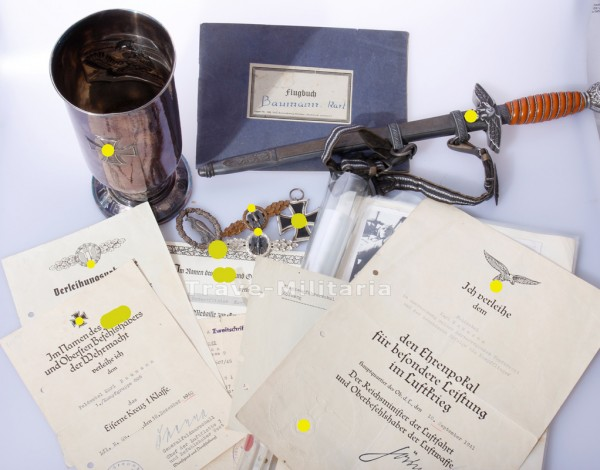 Pokal Nachlass mit Fliegererinnerungsabzeichen des Karl Baumann