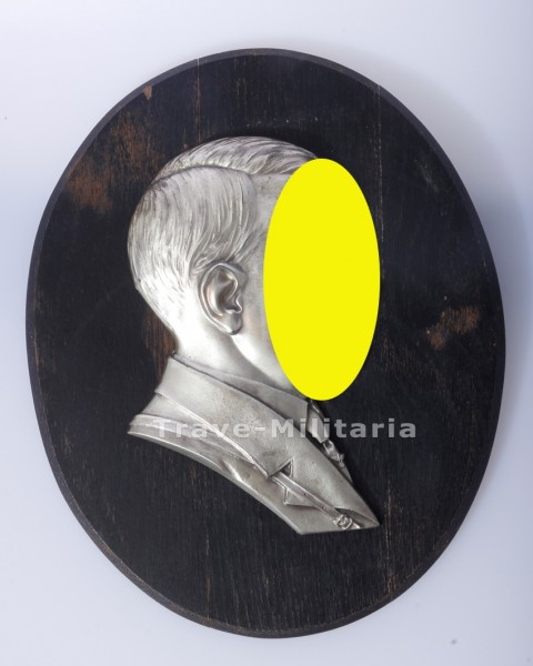 Reliefportrait im Profil Adolf Hitler - auf Holzplatte montiert