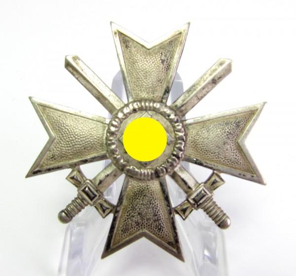 Kriegsverdienstkreuz 1. Klasse mit Schwertern in Buntmetall