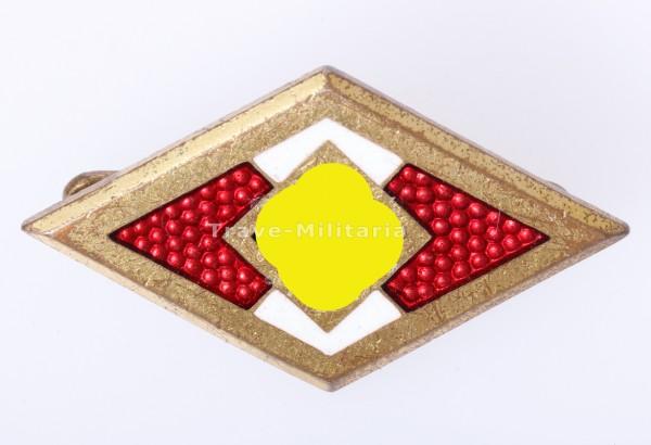 Goldenes HJ-Ehrenzeichen mit Trägernummer 30194