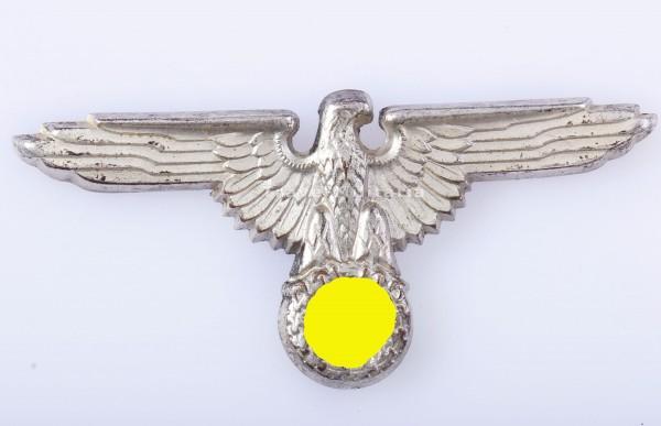 Mützenadler aus Cupal