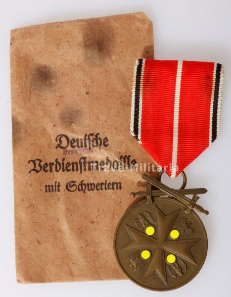 Deutsche Bronzene Verdienstmedaille mit Schwertern in Verleihungstüte