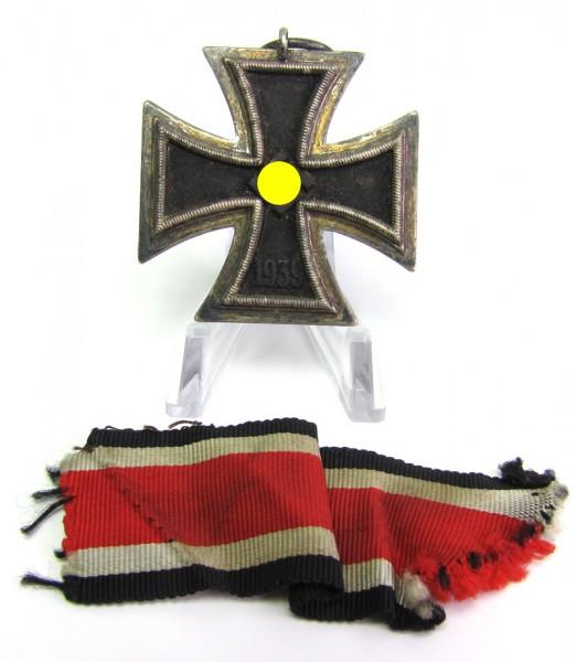Eisernes Kreuz 2. Klasse 1939 am Band mit Hersteller 24
