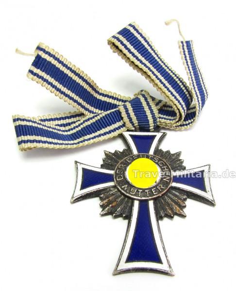 Ehrenkreuz der Deutschen Mutter in Silber an Bandschleife