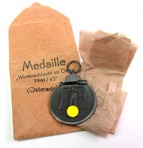 Medaille Winterschlacht im Osten (Ostmedaille) in Tüte und Paper, Friedrich Keller