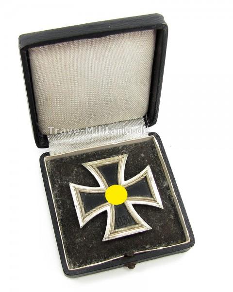 Eisernes Kreuz 1. Klasse 1939 im Etui Hersteller L/11 - Deumer - tolles Set
