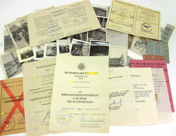 SS Nachlass 22. Kavallerie-Division mit Ausweis und Bildern Panzervernichter