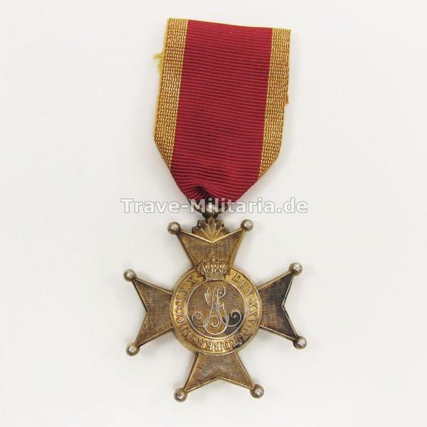 Schaumburg-Lippe Hausorden - Goldenes Verdienstkreuz (1917-1918)